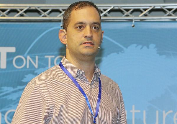 ניב רז, מנהל תשתיות פתוחות בהראל ביטוח ופיננסים. צילום: ניב קנטור