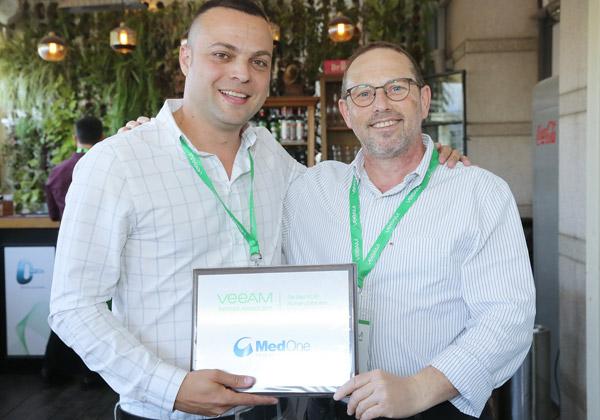 מימין: גיל שני, מנהל הטכנולוגיות הראשי של MedOne, וליאור חן, מנהל שותפים והפצות ב-Veeam. צילום: ניב קנטור