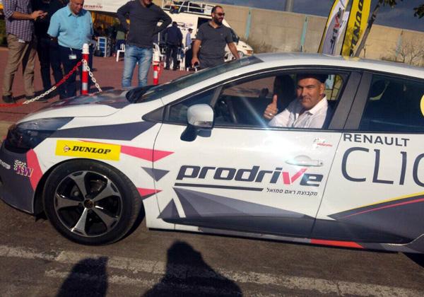"""מאחורי ההגה: מוטי צ'יקו, מנהל הפעילות של 2BSecure. צילום: יח""""צ"""